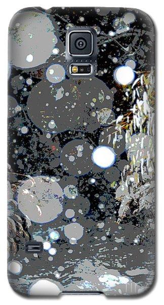 Snowfall Deconstructed Galaxy S5 Case by Li Newton
