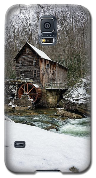 Snowing At Glade Creek Mill Galaxy S5 Case by Steve Hurt