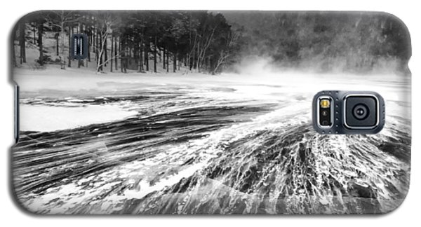 Galaxy S5 Case featuring the photograph Snowstorm by Hayato Matsumoto