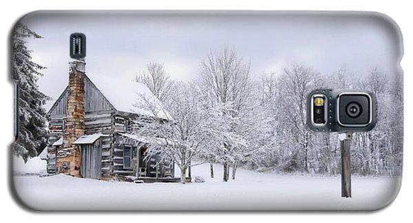 Snowy Cabin Galaxy S5 Case by Benanne Stiens