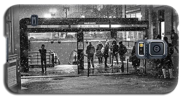 Snowy Harvard Square Night- Harvard T Station Black And White Galaxy S5 Case