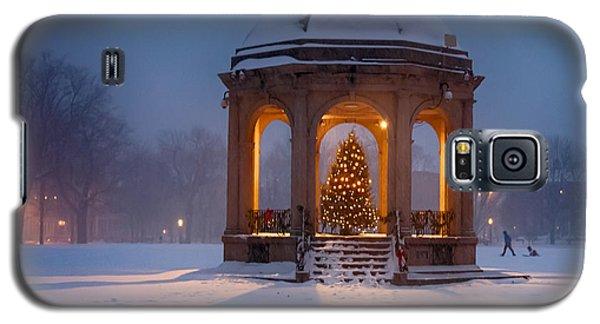 Snowy Night On The Salem Common Galaxy S5 Case by Jeff Folger