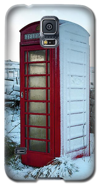 Snowy Telephone Box Galaxy S5 Case