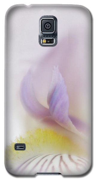 Galaxy S5 Case featuring the photograph Soft And Delicate Iris by David and Carol Kelly