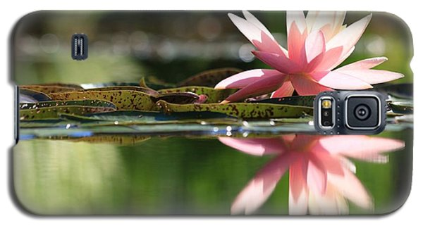 Soft Pink Water Lily Galaxy S5 Case