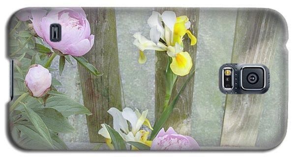 Soft Summer Flowers Galaxy S5 Case