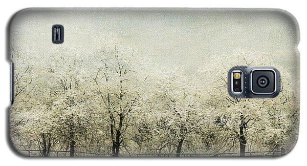 Softly Falling Snow Galaxy S5 Case