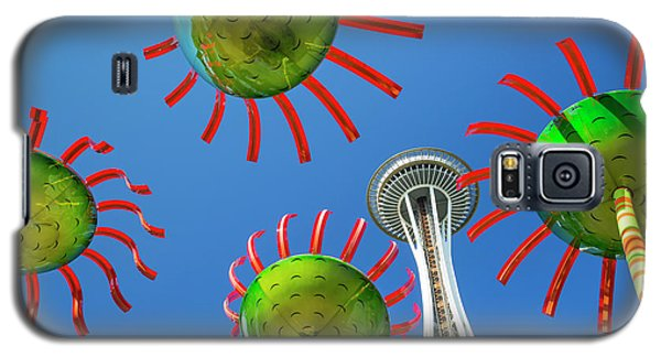 Galaxy S5 Case featuring the photograph Sonic Bloom In Seattle Center by Adam Romanowicz