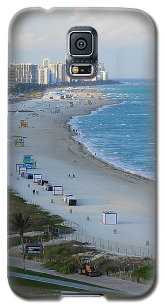 Galaxy S5 Case featuring the photograph South Beach At Its Best by Margaret Bobb