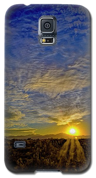 Galaxy S5 Case featuring the digital art Southwest Sunset Op40 by Mark Myhaver