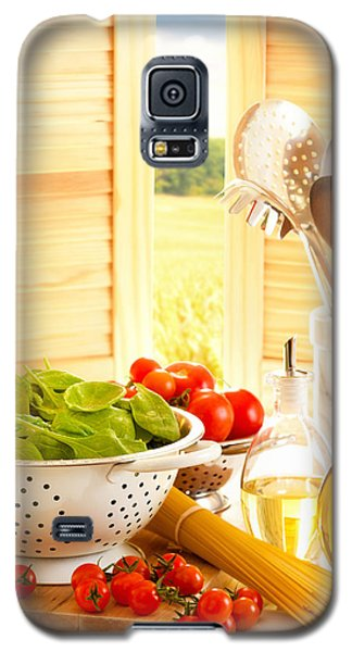 Spaghetti And Tomatoes In Country Kitchen Galaxy S5 Case by Amanda Elwell