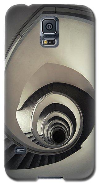 Spiral Staircase In Beige Tones Galaxy S5 Case by Jaroslaw Blaminsky