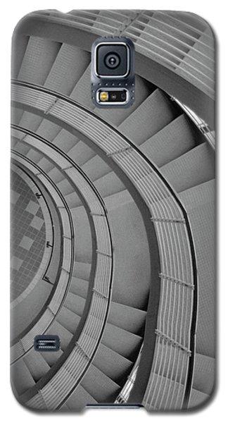 Spiraling Down  Galaxy S5 Case by Tara Lynn