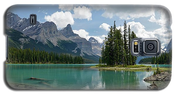 Galaxy S5 Case featuring the photograph Spirit Island And The Hall Of The Gods by Sebastien Coursol
