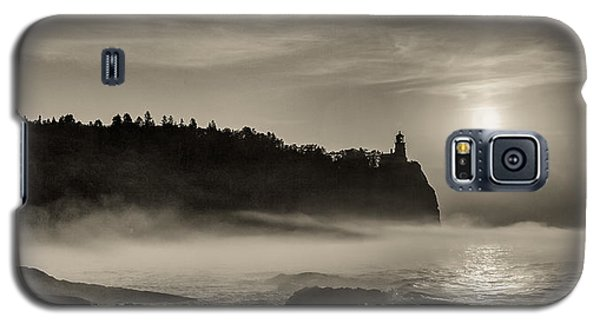 Galaxy S5 Case featuring the photograph Split Rock Lighthouse Emerging Fog by Rikk Flohr