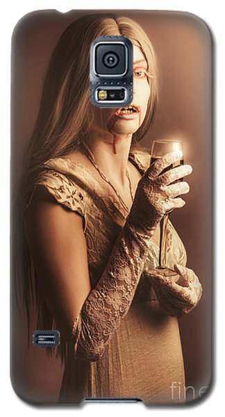 Spooky Vampire Girl Drinking A Glass Of Red Wine Galaxy S5 Case