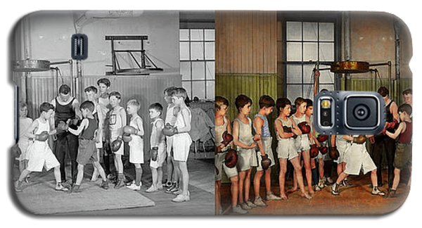 Galaxy S5 Case featuring the photograph Sport - Boxing - Fists Of Fury 1924 - Side By Side by Mike Savad
