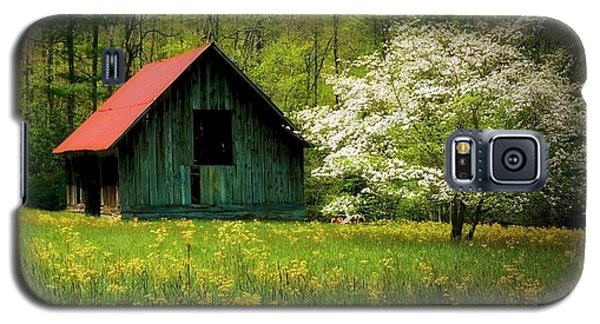 Spring And The Barn Galaxy S5 Case
