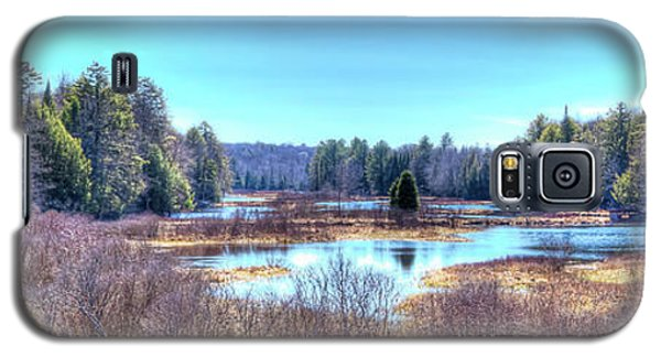 Galaxy S5 Case featuring the photograph Spring Scene At The Tobie Trail Bridge by David Patterson