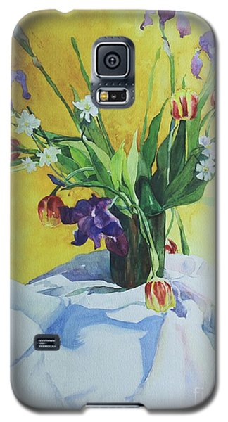 Galaxy S5 Case featuring the painting Spring Bouquet by Elizabeth Carr