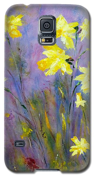 Galaxy S5 Case featuring the painting Spring Daffodils by Claire Bull