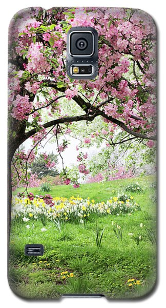 Galaxy S5 Case featuring the photograph Spring Fever by Jessica Jenney