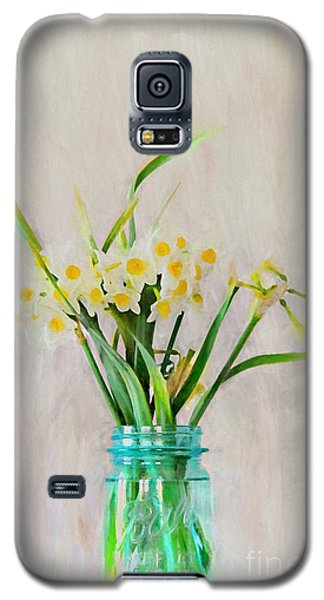 Galaxy S5 Case featuring the photograph Spring In The Country by Benanne Stiens