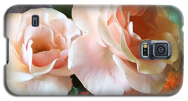 Galaxy S5 Case featuring the photograph Spring Roses by Gabriella Weninger - David