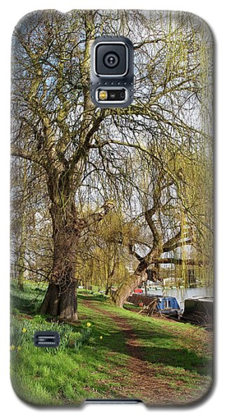 Spring Sunshine On Cambridge Riverbank Galaxy S5 Case by Gill Billington