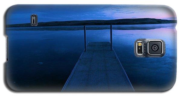 Springbrook Lake At Dawn Galaxy S5 Case by Jeff Swan