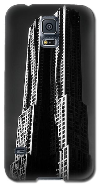 Galaxy S5 Case featuring the photograph Spruce Street By Gehry by Jessica Jenney