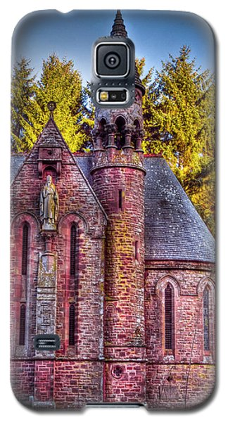 Galaxy S5 Case featuring the photograph St Palladius Church Drumtochty by Gabor Pozsgai