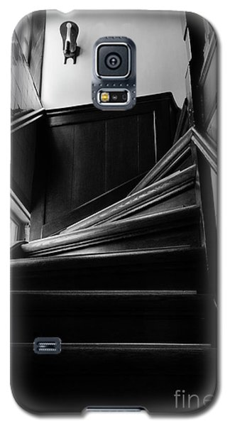 Galaxy S5 Case featuring the photograph Stairway In Amsterdam Bw by RicardMN Photography
