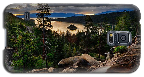 Standing At Eagle Falls Galaxy S5 Case