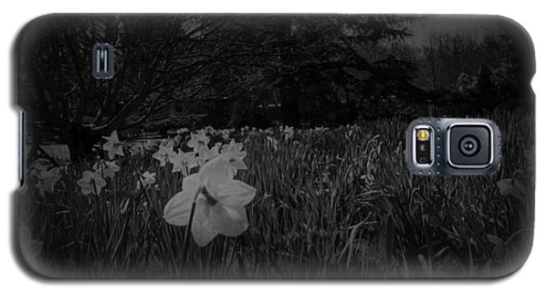 Galaxy S5 Case featuring the photograph Standing Proud by Ryan Photography