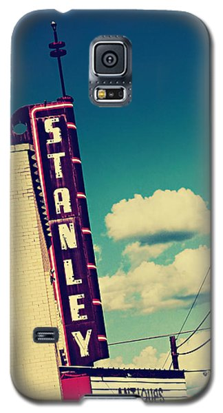 Galaxy S5 Case featuring the photograph Stanley by Trish Mistric