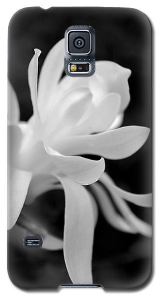Star Magnolia Flower Black And White Galaxy S5 Case