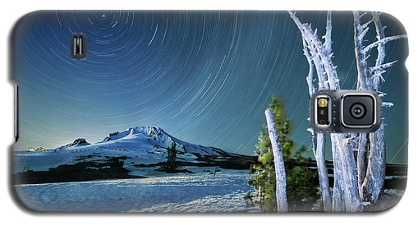 Star Trails Over Mt. Hood Galaxy S5 Case by William Lee