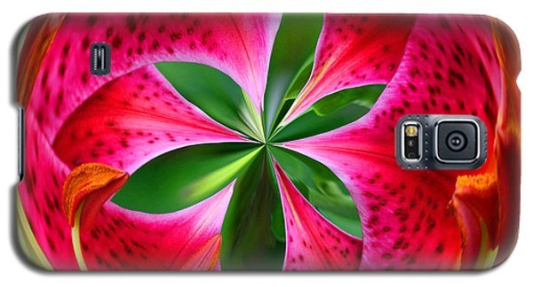 Stargazer Lily Orb Galaxy S5 Case by Bill Barber
