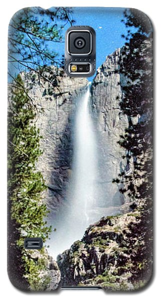 Starry Yosemite Falls Galaxy S5 Case