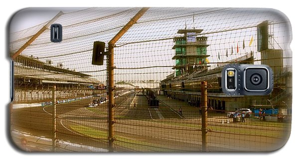 Start Finish Indianapolis Motor Speedway Galaxy S5 Case by Iconic Images Art Gallery David Pucciarelli