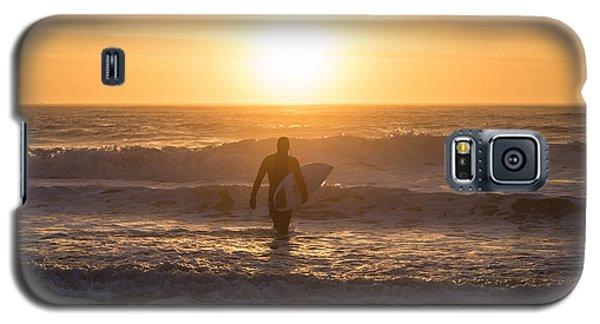 Start The Day Surfing Galaxy S5 Case