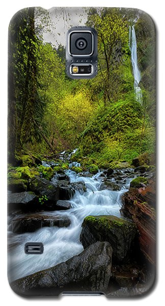 Galaxy S5 Case featuring the photograph Starvation Creek And Falls by Ryan Manuel