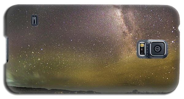 stary night in Broken beach Galaxy S5 Case