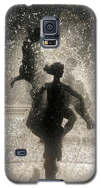 Galaxy S5 Case featuring the photograph Statue In Rostock, Germany by Jeff Burgess