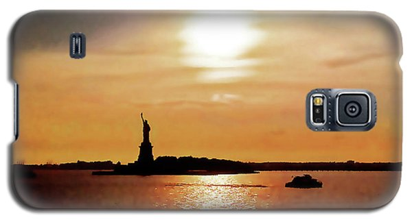 Statue Of Liberty At Sunset Galaxy S5 Case