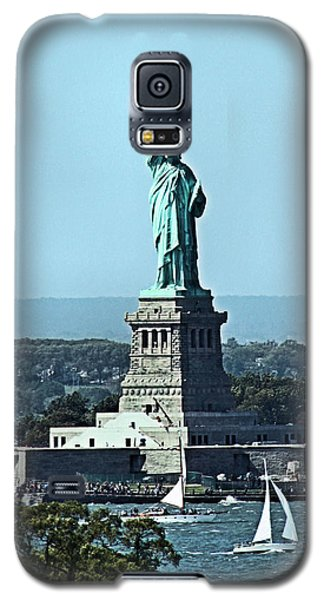 Galaxy S5 Case featuring the photograph Statue Of Liberty by Kristin Elmquist