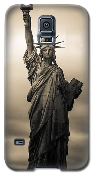 Statute Of Liberty Galaxy S5 Case by Tony Castillo