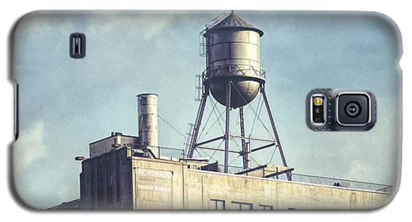Galaxy S5 Case featuring the photograph Steel Water Tower, Brooklyn New York by Gary Heller