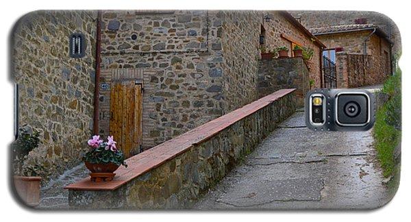 Steep Street In Montalcino Italy Galaxy S5 Case